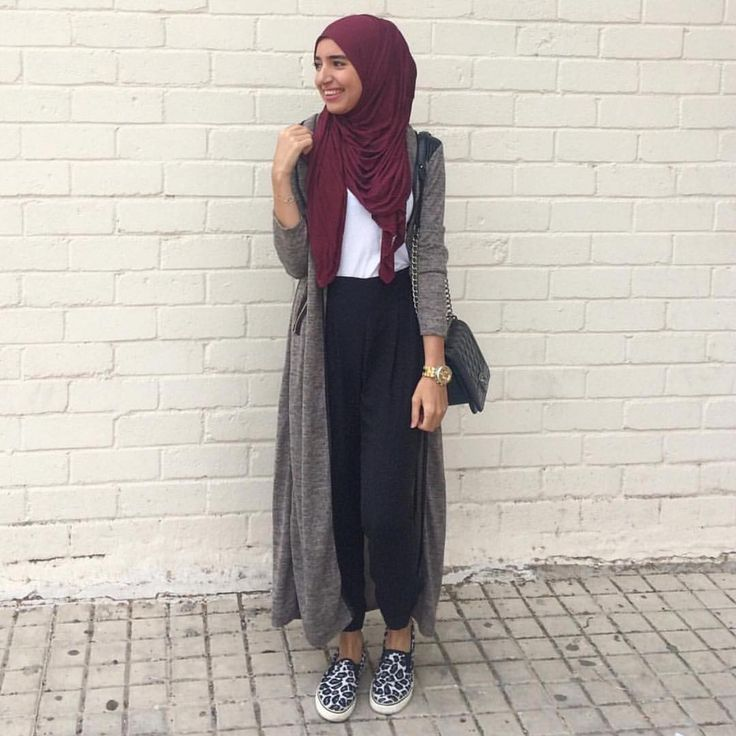 """Unique Hijabs on Instagram: """"@saris_hh in our plum jersey hijab. Will be restocked this week. www.uniquehijabs.com"""". #hijabfashion #hijabs #hijabstyle"""