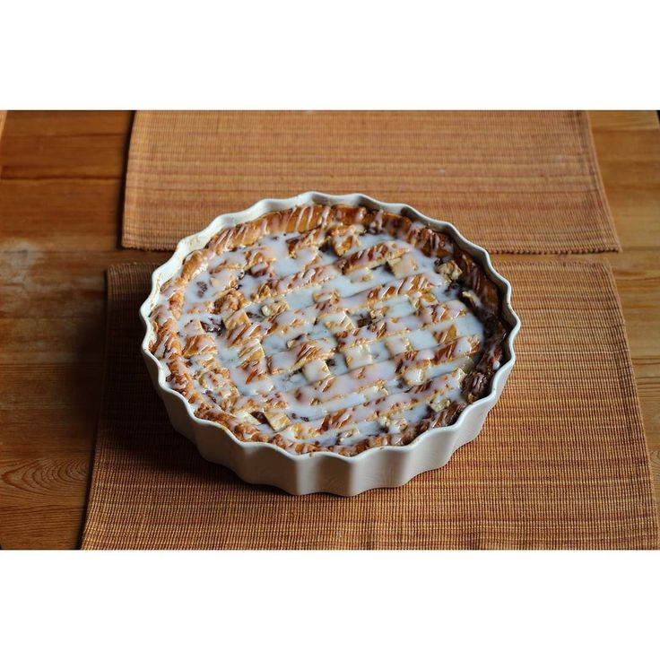 apple pie  #lastweek #applepie #instafood #baking #applesfromgarden #home #cake #instacake #almostautumn #icing #cinnamon #tbt