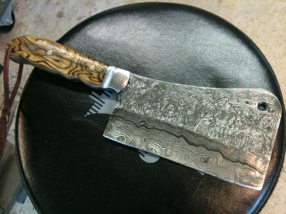Hey, I found this really awesome Etsy listing at http://www.etsy.com/listing/156318113/custom-hand-made-knife-damascus-steel