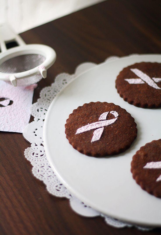 Roosa Nauha -suklaakeksit // Pink Ribbon Chocolate Cookies Food & Style Annamaria Niemelä Photo Annamaria Niemelä www.maku.fi