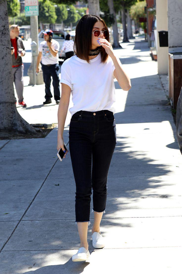 March 31: Selena arriving at Gyu-Kaku Japanese BBQ in Los Angeles, California
