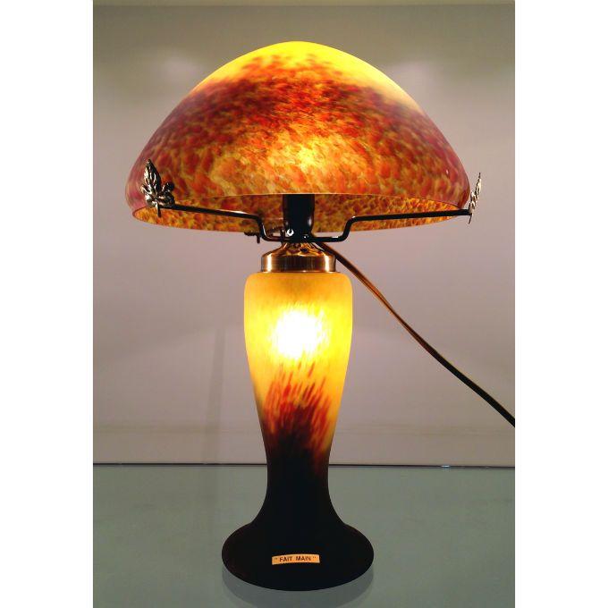 Les 25 meilleures id es de la cat gorie lampes jaunes sur for Lampe de table jaune