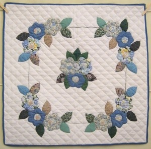 98 best Amish Quilts images on Pinterest | Amish quilts, Small ...