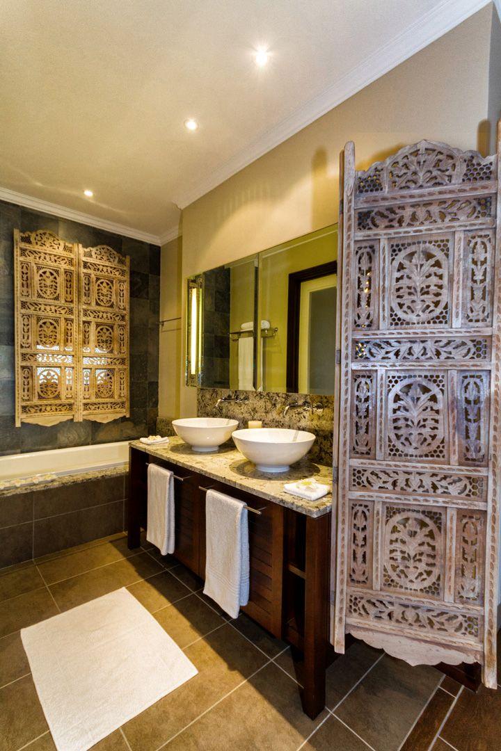 Maison 83 Master Bedroom En-Suite Bathroom