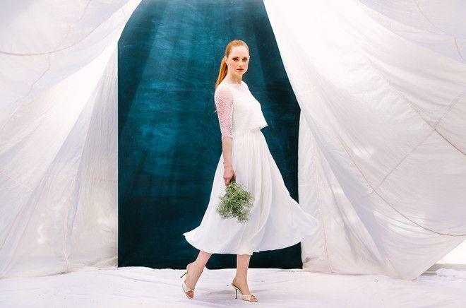 Brautkleid Zweiteiler mit Spitze und fließendem Rock in tea-length (www.noni-mode.de - Foto: Le Hai Linh)