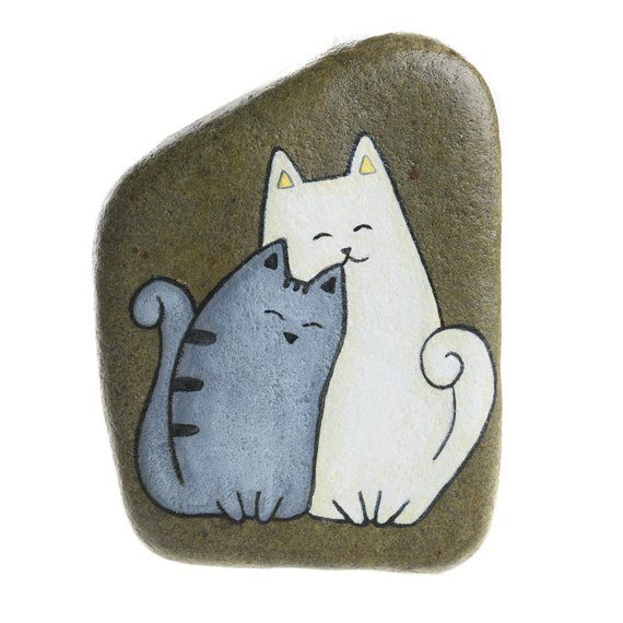 2 cats, painted rock, hanging stone, grey cat, white cat