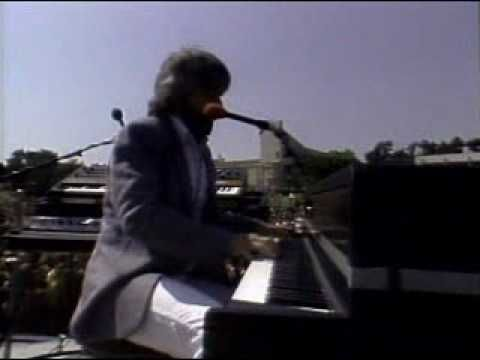 Doobie Brothers (Takin in To The Street ,Jesus is Just Alright) Live In Sta.Barbara 1982