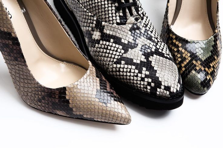 Discover Zurbano exotic style with python skin leather pumps & flats. Shop now online at www.zurbano.pl