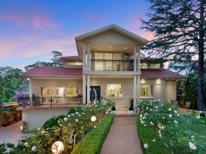 6 bedroom house for sale Turramurra -  33 Trentino Road  -
