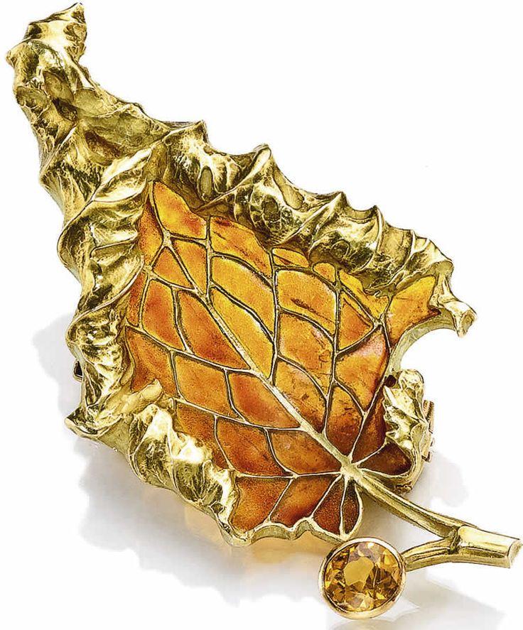 R. Lalique | Brooch Autumn Leaf gold, sapphire and plique-à-jour enamel, ca. 1900