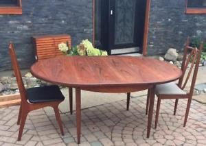 Mid Century Modern Teak Dining Table Round to Oval Self Storing (with butterfly leaf) GPLAN, made in England