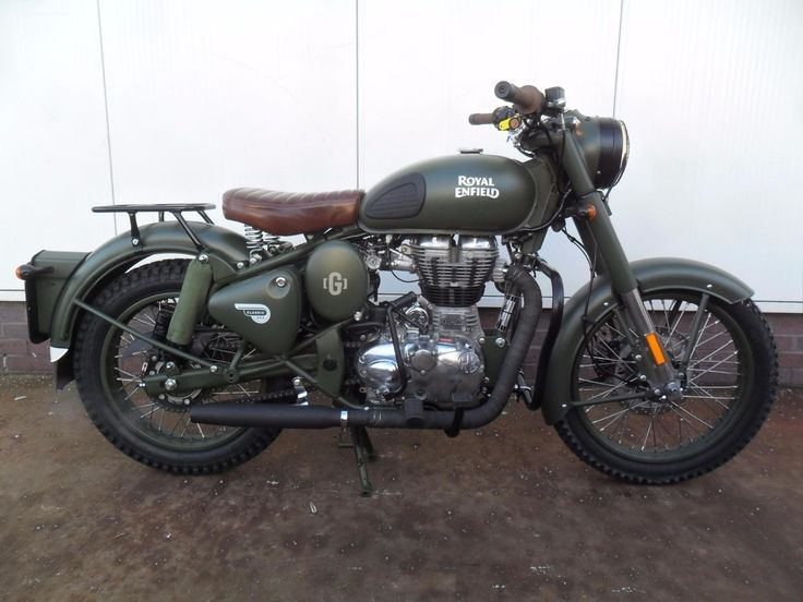 Royal-Enfield-Classic-500-Battle-Green-Limited-Edition.jpg 1,600×1,200 pixels