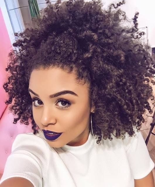 Natural hair inspiration | Afro | Purple lipstick | IG @analidialopess