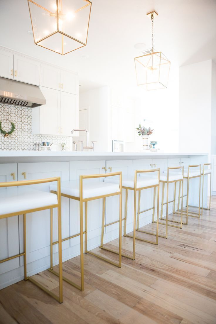 Modern White Kitchen Remodels For A Stunning Space Modern Kitchen Design Home Decor Kitchen Kitchen Bar Stools