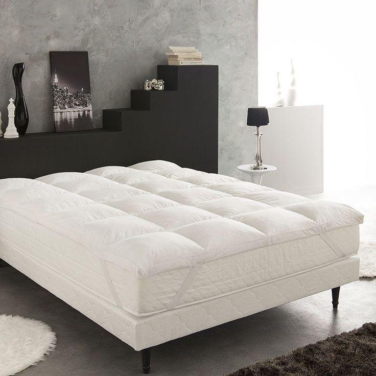 Pour une chambre cosy et une literie confortable, découvrez le surmatelas en plume d'oie. #deco #home
