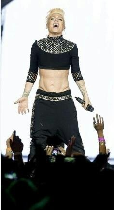 p!nk abs  nk Amazing abs!