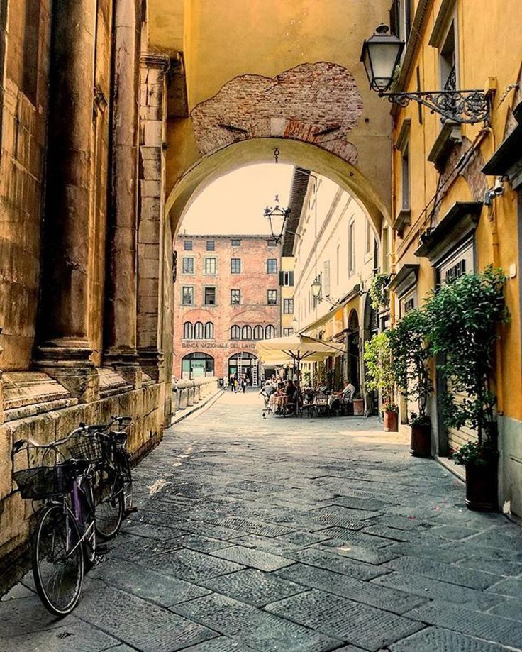#lucca arch #Repost @_a_r_y_a_