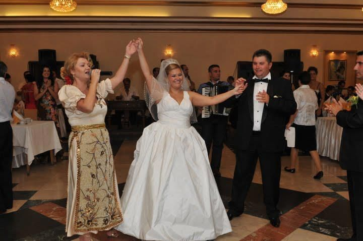 LET ME ENTERTAIN YOU - MY DEAR WORD, VISIT OUR WEBSITE CONFIDENTLY SITTE AND FIND THE TIME OFFERS AND PROMOTIONS 2015 - 2016 - WHAT MAKES US DIFFERENT? PRICE, BENEFITS, ASSISTANCE TO THE NEWLYWEDS, DEDICATION! - MUSIC AND LIVE ENTERTAINMENT AT YOUR WEDDING! - GUARANTEE THE SUCCESS OF EACH EVENT!