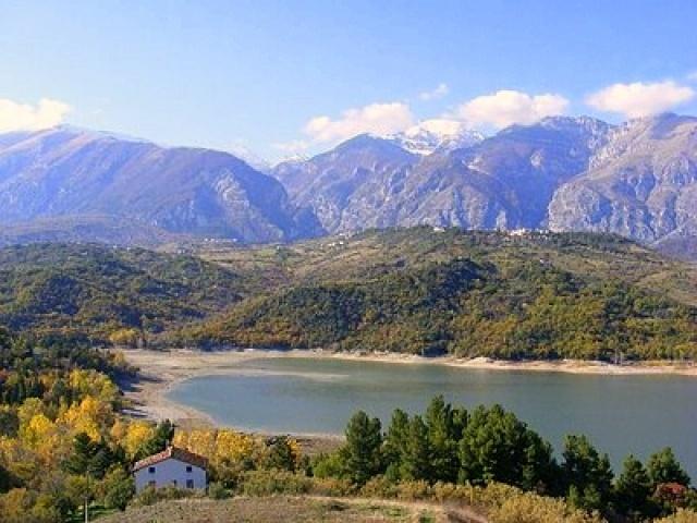 Lakeside in Casoli, Abruzzo, Italy