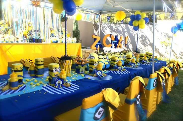 Minions Party Table