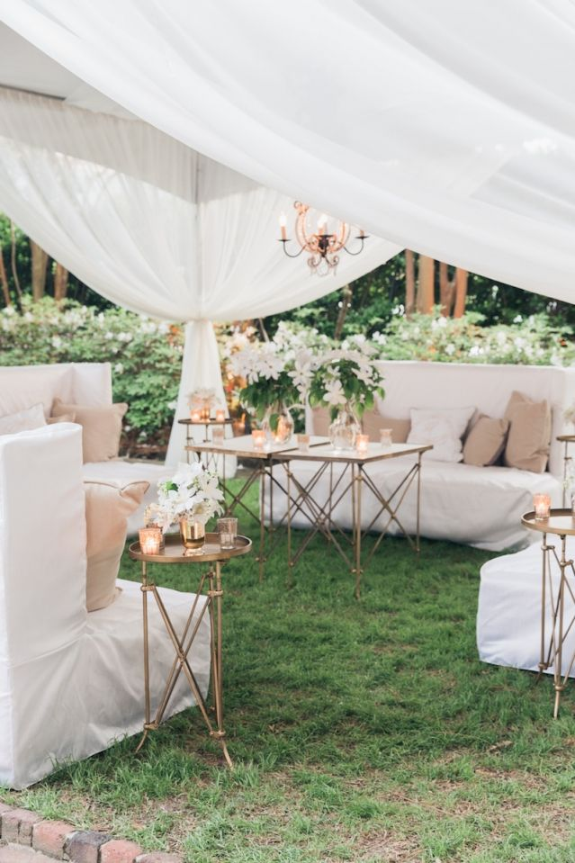 Meredith & Tate's April wedding at The William Aiken House in Charleston, South Carolina | Spring wedding inspiration | Photo by Corbin Gurkin