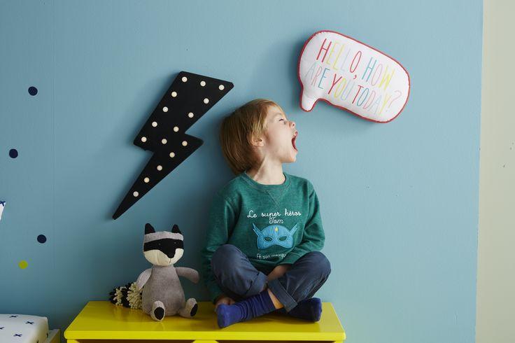 VERTBAUDET - Coup de foudre pour cet éclair lumineux mural très tendance ! Grâce à ses LED, il diffusera une lumière douce, très agréable dans une chambre d'enfant !