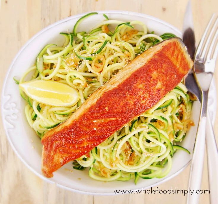 Salmon and Sesame Thai Dressing. Quick, easy and delicious! Free from gluten, grains, dairy, egg, nuts and refined sugar. Enjoy.