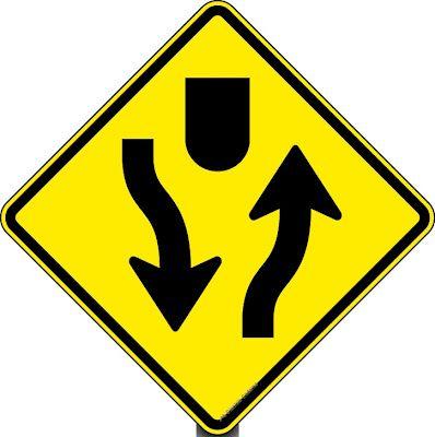 Placas de Trânsito – Sinalização de Advertência Placas de Advertência | Placas de Trânsito - Sinalização  Tem por finalidade alertar aos usuários da via para condições potencialmente perigosas, indicando sua natureza. Suas mensagens possuem caráter de recomendação.