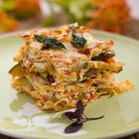 Egy finom Ricottás-cukkinis lasagne ebédre vagy vacsorára? Ricottás-cukkinis lasagne Receptek a Mindmegette.hu Recept gyűjteményében!
