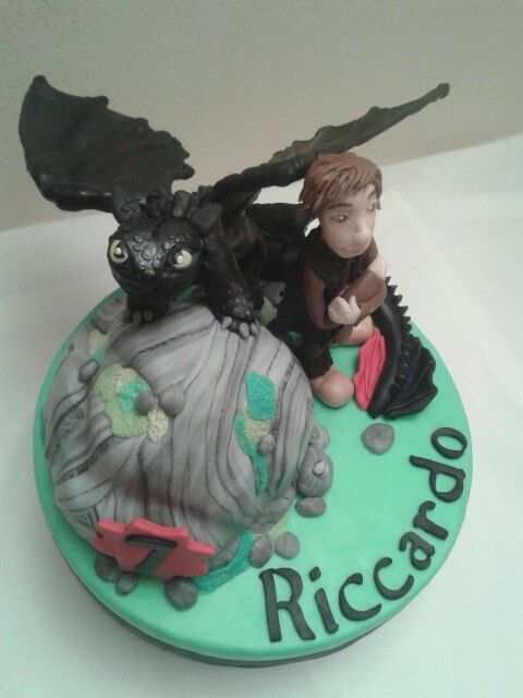 Dragon trainer cake topper - how to train your dragon