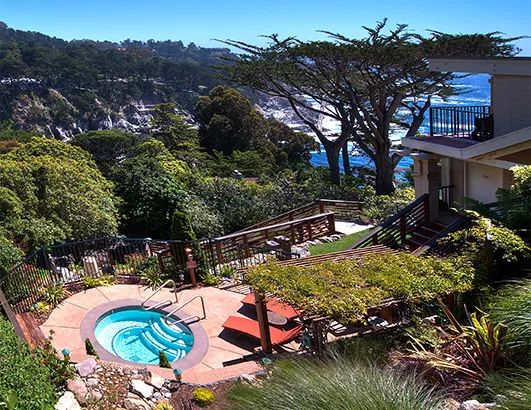 A hidden gem on the Pacific coast and lush Carmel highlands, the Tickle Pink Inn is a beautiful oceanfront hotel along California's world-famous Big Sur.