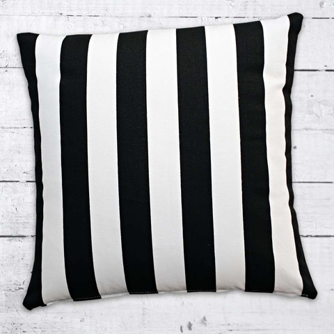 Cushions from Cushionopoly - Noir Blanc cushion cover