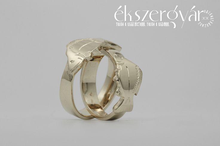 Pontyos arany karikagyűrűk. 14 karátos sárga arany.