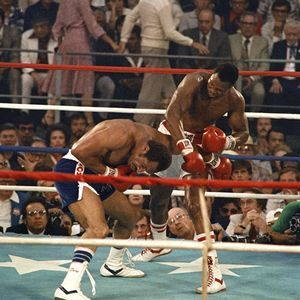 Larry Holmes and Ken Norton, 1978. One of the best heavyweight championship fight ever.