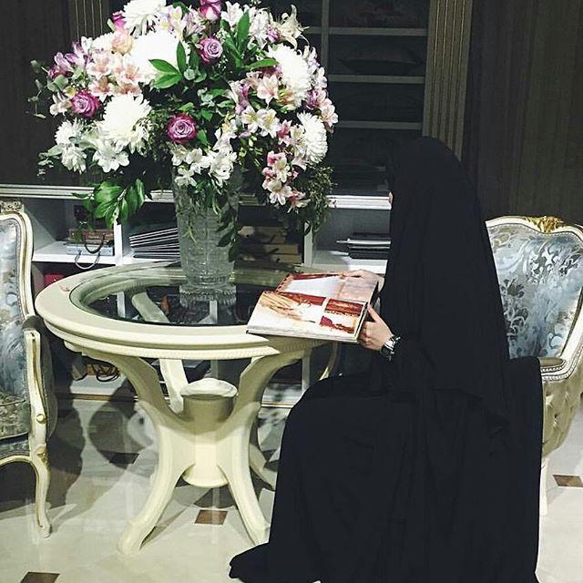Самая прибыльная торговля - поминание Аллаха, а самая убыточная торговля - поминание людей  #хиджаб #никаб #Дубай #ислам #хадж #Медина #мекка #улыбка #сунна #hidjab #niqab #Medina #selfie #islam #Dubai #smile #cannon