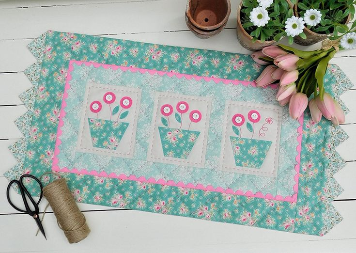 Bumble Blooms by Sally Giblin of The Rivendale Collection. www.therivendalecollection.com.au Stitchery, appliqué and patchwork patterns. #TheRivendaleCollection