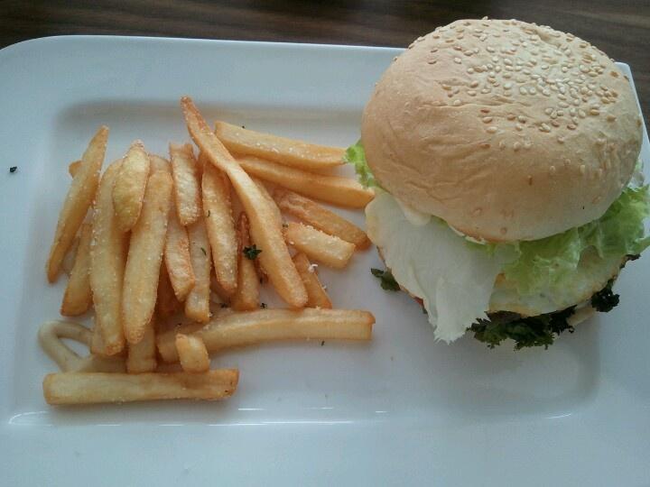 classic beef burger at Cafe Barbera