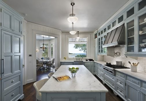 I am in love with this kitchen!