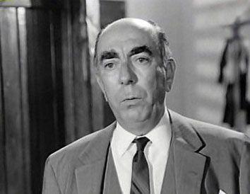 Διονύσης Παπαγιαννόπουλος (1912 – 1984): Ηθοποιός του θεάτρου και του κινηματογράφου. Γεννήθηκε το 1912 στο Διακοφτό και σπούδασε στη Δραματική Σχολή του Εθνικού Θεάτρου...