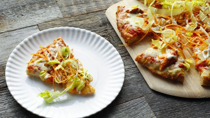 Sunny Anderson's Buffalo Chicken Pizza on Rachael Ray, Game day snack anyone?