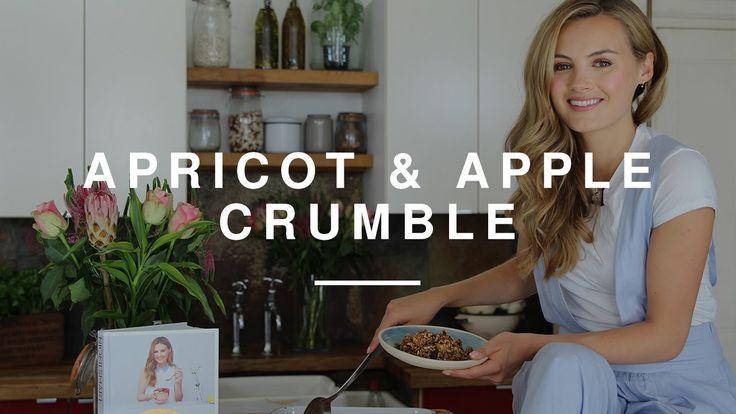 Niomi Smart - Apple & Apricot Crumble | Eat Smart | Wild Dish