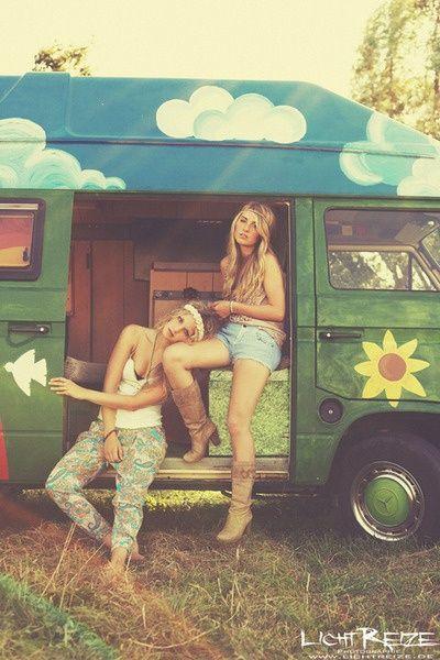 Modern hippie, boho chic style, gypsy soul allure. For more Bohemian looks FOLLOW now http://www.pinterest.com/happygolicky/the-best-boho-chic-fashion-bohemian-jewelry-boho-w/ ☮k☮ #boho