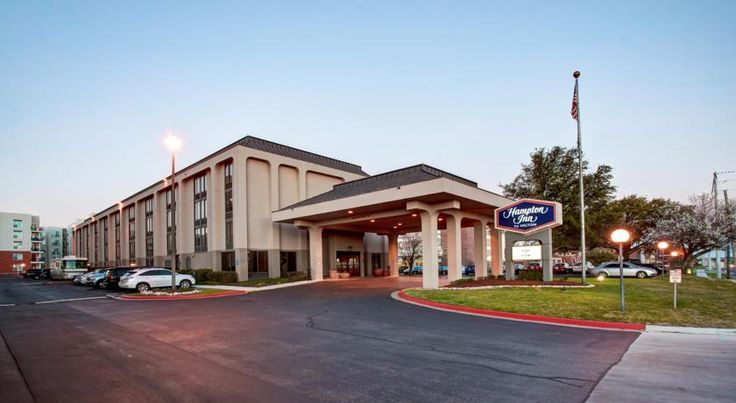 Hampton Inn College Station-Near Texas A&M University College Station This College Station hotel is one block from Texas A&M University and 3 miles from Easterwood Airport. The hotel offers free airport shuttle service and free Wi-Fi.