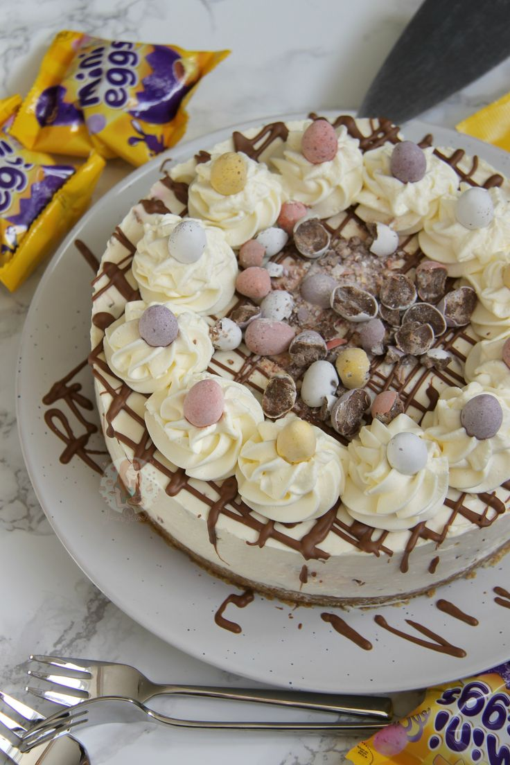 A Delicious & Sweet No-Bake Vanilla Mini Egg Cheesecake with a Buttery Biscuit Base, full to the brim with Mini Eggs – Perfect *non*bake for Easter! SO like, yeah.. its Easter, which mean…