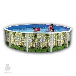 Piscina circular Toi con acabado Bosque fabricada en acero, cubierta por una funda de polietileno de alta densidad y calidad fotográfica. Incluye escalera en acero inoxidable y sistema de filtración de arena. Disponible en diferentes diámetros.