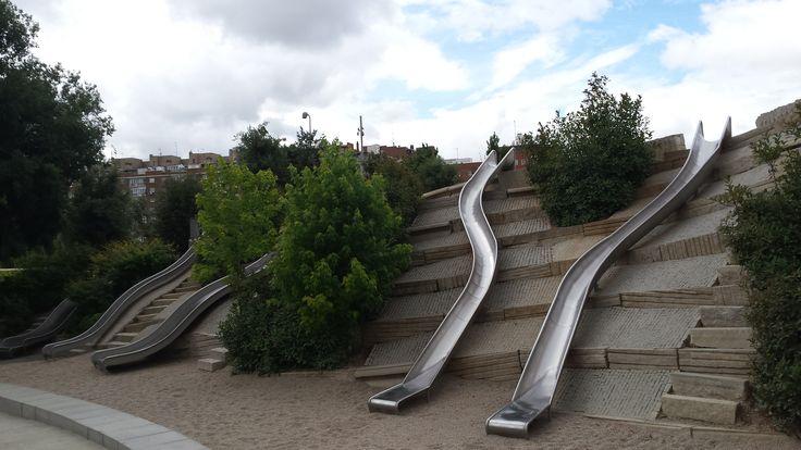 Madrid rio slides west 8 landscape architecture for West 8 landscape architecture