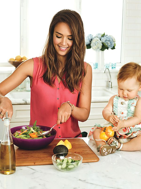 Jessica Alba with her adorable daughter in the kitchen. I really want to take a lot of kitchen pictures for a keepsake cookbook.
