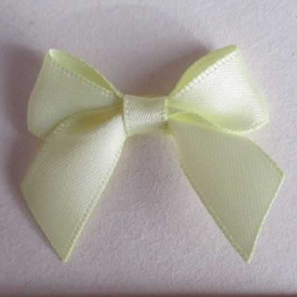 SATIN BOWS APPROXIMATELY 4cm ACROSS PANTONE COLOUR CHART - 617 BABY MAIZE WEDDING STATIONERY SUPPLIES FROM www.vintagelaceweddingcards.co.uk PLEASE SHARE