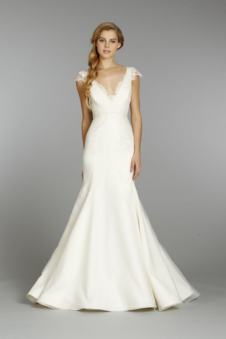 Wedding Wisdom – Top Tips on Finding the Most Flattering Wedding Dress by Paperswan Bride