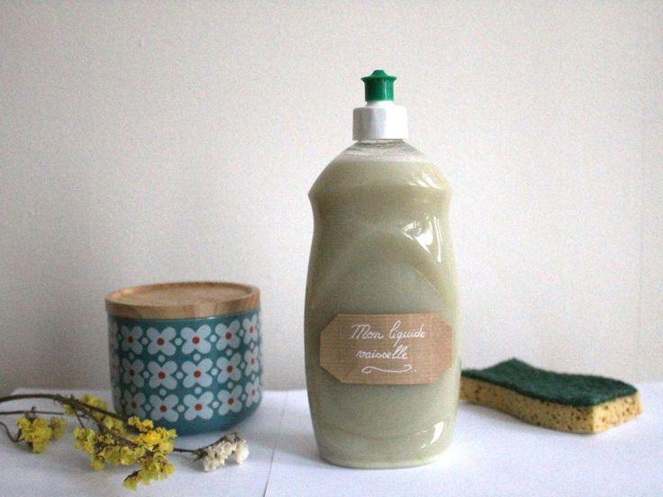 Savez-vous qu'en France, le liquide vaisselle est la principale cause des empoisonnements ménagers ? Je viens de l'apprendre. Et en me penchant...